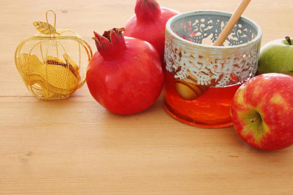 apples. honey, shofar