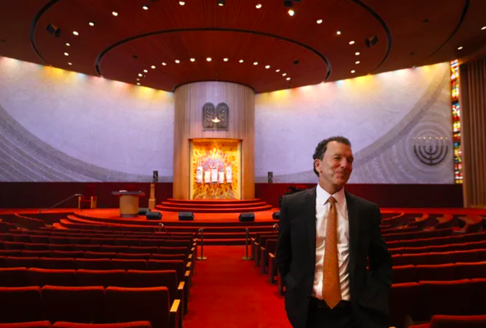 Rabbi Micah Greenstein celebrates 30 years at Temple Israel among 'the heart of things'